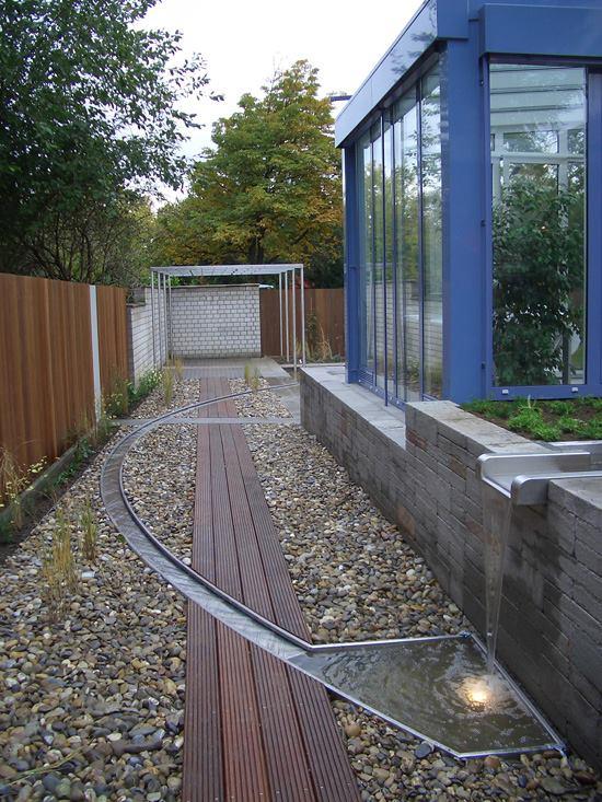 Gartenteichanlage aus Edelstahl mit LED Beleuchtung.